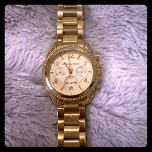 ⭐️Michael Kors gold watch ⭐️